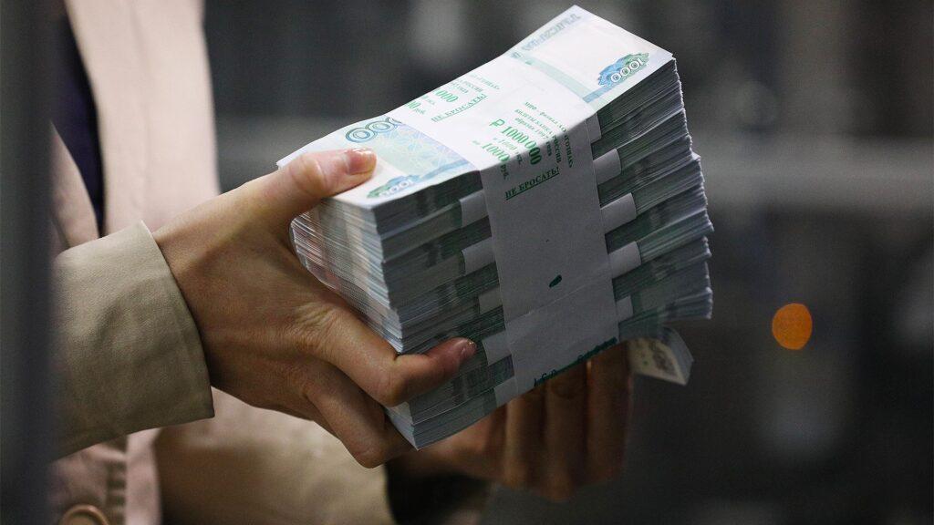 banki-v-osade-sredi-grazhdan-rossii-rezko-povysilsya-spros-na-kredity-nalichnymi