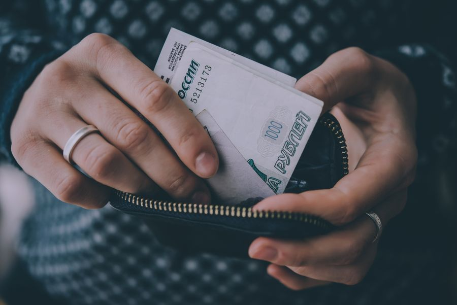 zakon-o-besplatnom-spisanii-dolgov-prinyat-pomozhet-li-on-rossiyanam